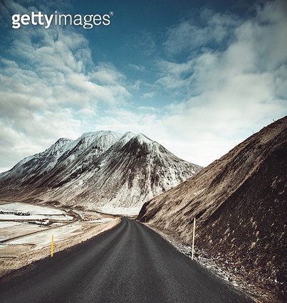 empty icelandic road - gettyimageskorea