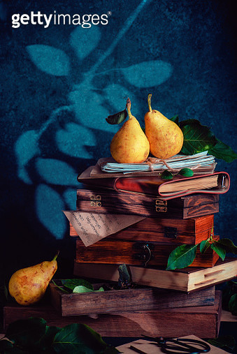 Verses of autumn gardens (with pears) - gettyimageskorea