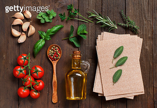 Whole wheat lasagna sheets and ingredients - gettyimageskorea