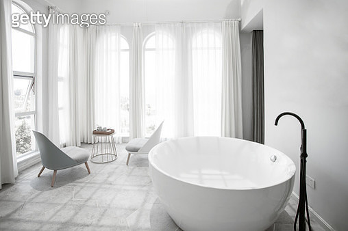 White clean and tidy bathroom - gettyimageskorea
