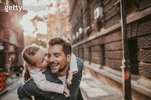 Father and Daughter - gettyimageskorea