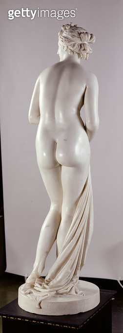 <b>Title</b> : Venus, c.1818-20 (marble) (see also 259675 and 259677-259678)<br><b>Medium</b> : marble<br><b>Location</b> : Leeds Museums and Galleries (City Art Gallery) U.K.<br> - gettyimageskorea