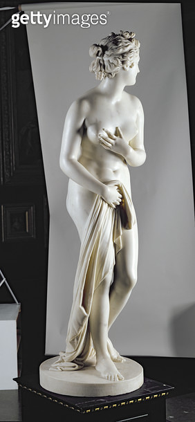 <b>Title</b> : Venus, c.1818-20 (marble) (see also 259675-259677)<br><b>Medium</b> : marble<br><b>Location</b> : Leeds Museums and Galleries (City Art Gallery) U.K.<br> - gettyimageskorea