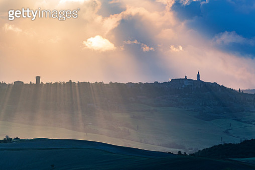 Italian landscape with the hilltop town of Pienza in Tuscany - gettyimageskorea