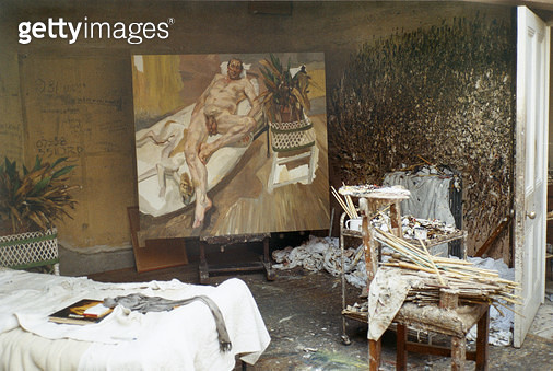 Interior of Lucian Freud's studio with 'David and Eli', 2003-04 (photo) - gettyimageskorea