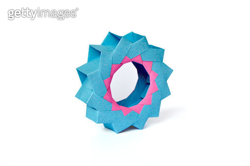 Colour change variation of 3D Mette Ring - gettyimageskorea