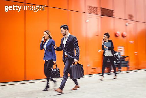 Business People Walking, Blurred Motion - gettyimageskorea