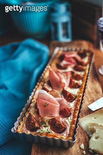 Tart with Figs, Serrano Ham and Cottage Cheese - gettyimageskorea