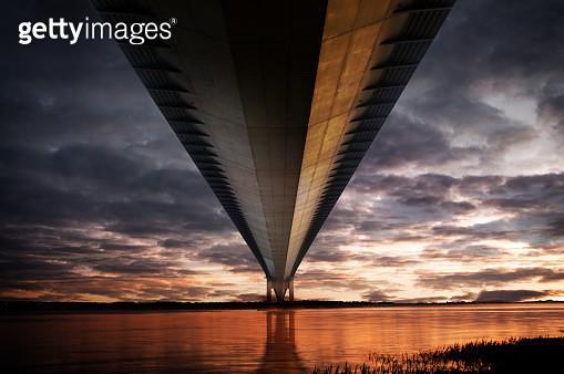 Below the Humber Bridge - gettyimageskorea