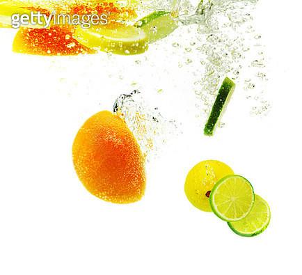 Fruit underwater - gettyimageskorea
