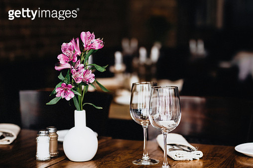 Table For Two - gettyimageskorea