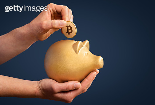 Investing savings in Bitcoin is gold - gettyimageskorea