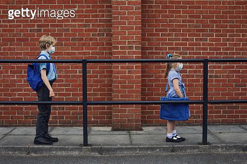 Children going to school wearing face masks - gettyimageskorea