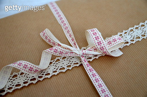 Close-Up Of Ribbon On Box - gettyimageskorea