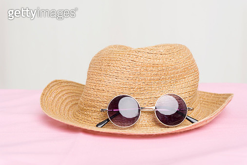 Travel concept with hat and sunglasses. - gettyimageskorea