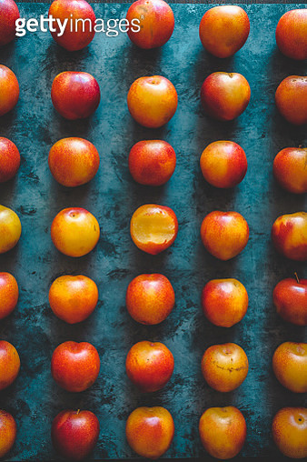 array of fresh summertime pluots fresh from the market - gettyimageskorea