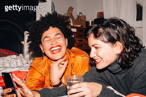 Girls at a party - gettyimageskorea