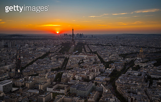 Aerial view of Eiffel Tower in Paris, France during sunset - gettyimageskorea