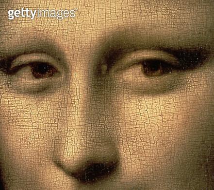 <b>Title</b> : Mona Lisa, c.1503-6 (oil on panel) (detail of 3179)<br><b>Medium</b> : oil on panel<br><b>Location</b> : Louvre, Paris, France<br> - gettyimageskorea
