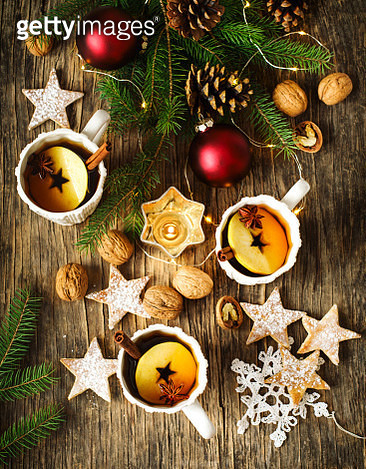 Spiced apple tea. Winter holiday concept - gettyimageskorea