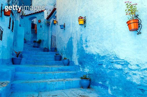 Chefchaouen is a blue city in the north of Morocco. The place is named after the mountain tops behind the village which look like two horns of a goat (chaoua). Chefchaouen is a touristic place with many visitors from all over the world.Morocco,North Afric - gettyimageskorea