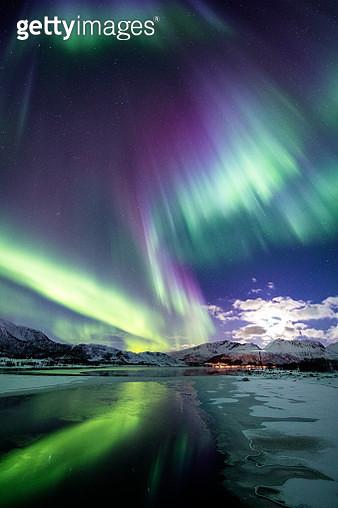 Auroras reflected - gettyimageskorea