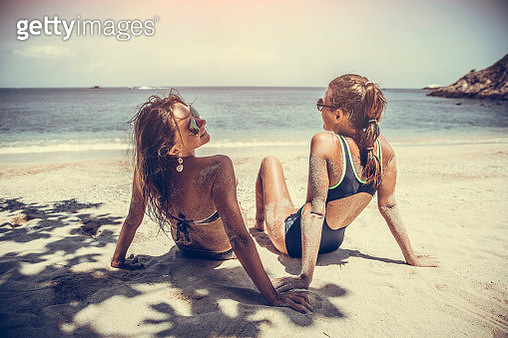 Girlfriends on the tropical  beach - gettyimageskorea
