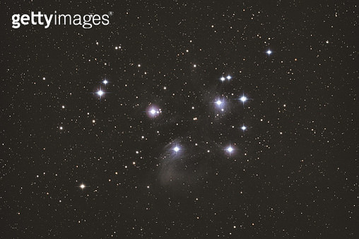 View of the beautiful stars cluster named The Pleiades (M45), in the constellation of Taurus - gettyimageskorea