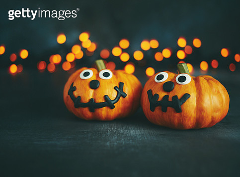 Cute pumpkin character couple with handmade expressions - gettyimageskorea