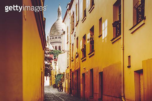 Montmartre in Paris - gettyimageskorea