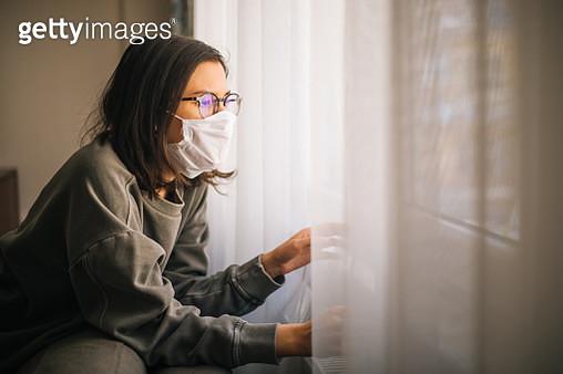 Woman in Isolation Quarantine Coronavirus - gettyimageskorea