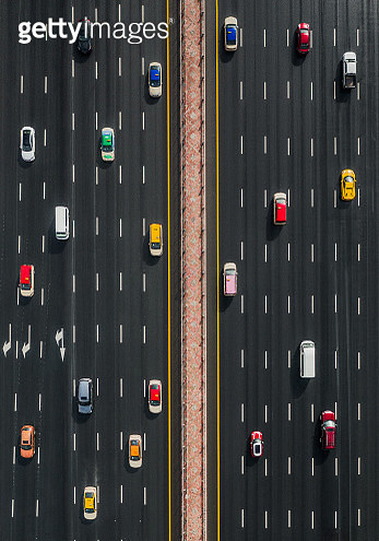Aerial view of a variety of vehicles on Sheikh Zayed highway, United Arab Emirates - gettyimageskorea
