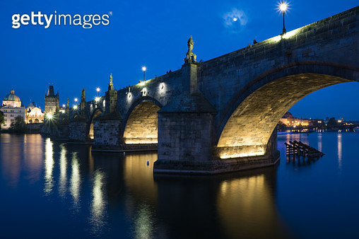 Blue Hour At Charles Bridge -Scenery Of Czech Republic Capitol Prague In Spring 2016 - gettyimageskorea