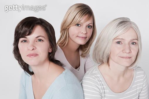 Three generations of women - gettyimageskorea