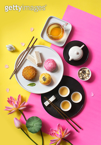 Flat lay east asian afternoon tea break objects on yellow background. Trendy food still life image. - gettyimageskorea