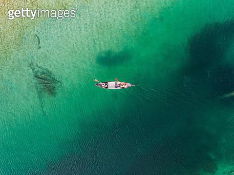 Aerial views over a kayak on lake Eibsee, Bavaria, Germany - gettyimageskorea
