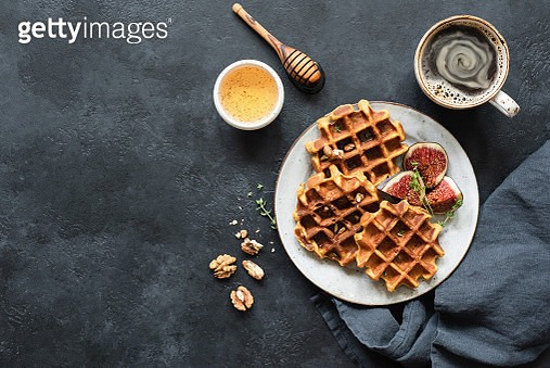 Whole Wheat Waffles With Honey And Figs - gettyimageskorea