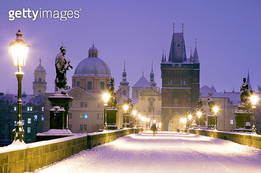 Winter Snowy Charles Bridge Gothic Old Town Bridge Tower Old To - gettyimageskorea