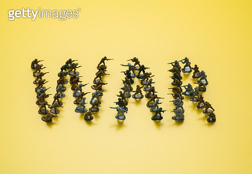 Toy soldiers forming the word 'WAR' - gettyimageskorea