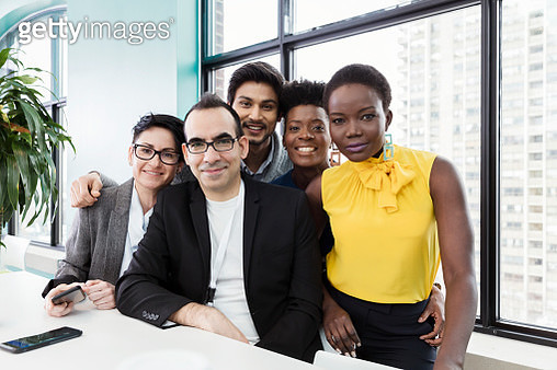 Portrait of business people in modern office - gettyimageskorea