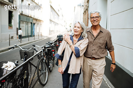 Retirement and  couple in a trip to Paris - gettyimageskorea
