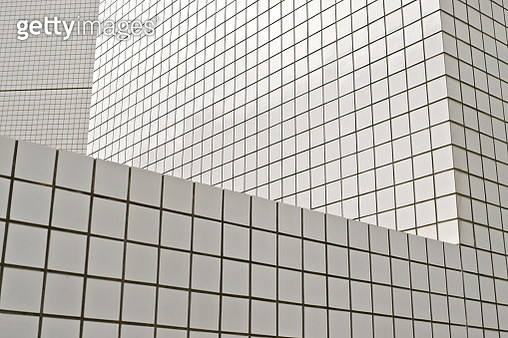Building with white tiles in Tokyo 東京にある白いタイルのビル。3D_P1180900.JPG - gettyimageskorea