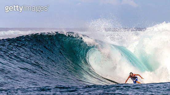Indonesia, Surfing in the Pacific Ocean - gettyimageskorea