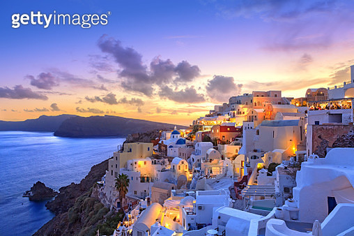 Santorini sunset at dawn village of Oia Greece - gettyimageskorea