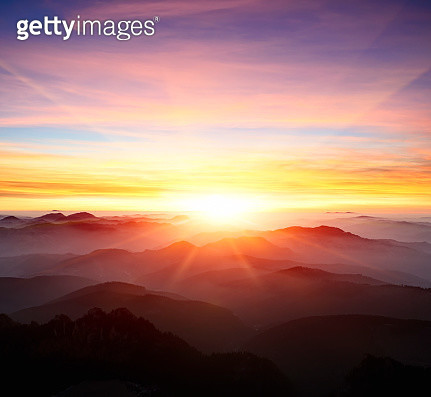 majestic sunrise over the mountains - gettyimageskorea