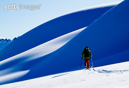Ski touring and skiing Squamish, British Columbia, Canada - gettyimageskorea