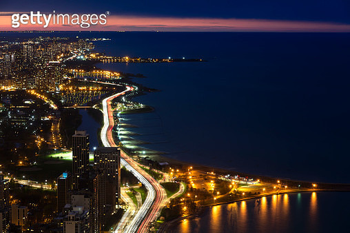 Modern urban skyscrapers along the Lake Michigan, downtown Chicago City Waterfront close to night, Illinois, USA. - gettyimageskorea