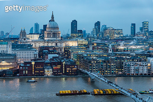 St Paul's Cathedral during twilight hours as seen from high angle on the South bank - stock image - gettyimageskorea