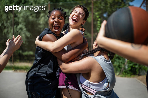 Female basketball team celebrating a victory - gettyimageskorea