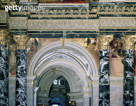 <b>Title</b> : Interior of the Kunsthistorisches Museum, Vienna, with archway and spandrel decoration depicting figures representing 14th century Rome and Venice, 1890/91 (mural)<br><b>Medium</b> : mural<br><b>Location</b> : Kunsthistorisches Museum, Vien - gettyimageskorea
